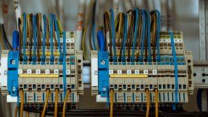 Монтаж электропроводки в доме своими руками: пошаговая инструкция